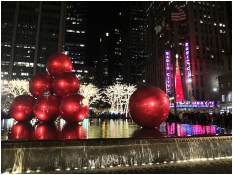 ニューヨーク Radio City前のクリスマスイルミネーション