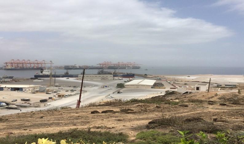 活発化する港湾投資(筆者撮影)