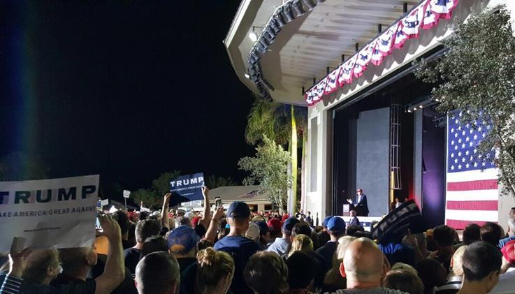 フロリダ州で行われたトランプ候補の集会(筆者撮影)