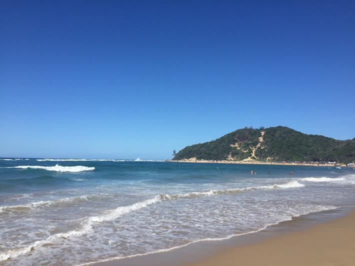 ポンタドーロ(Ponta D' ouro)のビーチ(筆者撮影)