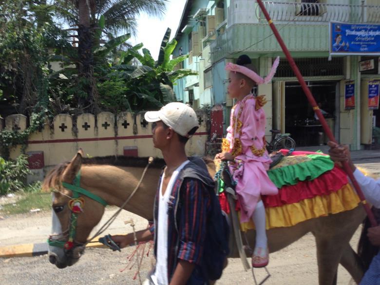 ヤンゴン/ミャンマー ~歴史的大変革と変わらないもの~