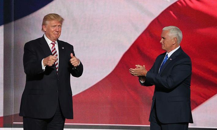 ドナルド・トランプ氏(左)とインディアナ州知事のマイク・ペンス氏(右)(写真:Wikimedia Commonsより)