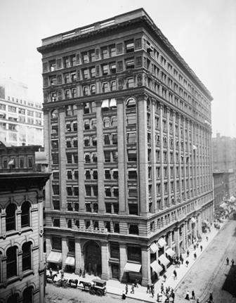 シカゴのNew York Life Insurance Building (1900年頃の写真) (出典:Wikimedia Commonsより)