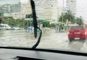 コパカバーナ・パレス・ホテル前の洪水(2019年4月)(筆者撮影)