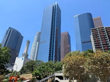 ロサンゼルス ダウンタウンの高層ビル群(筆者撮影)