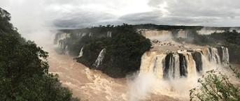 イグアスの滝(筆者撮影)